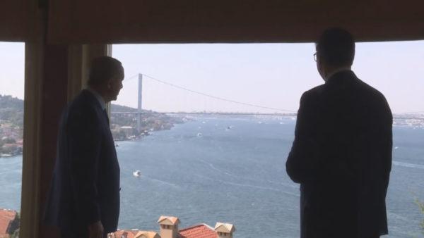 Erdogan pret Vuçiç në vilën e tij në Stamboll, diskutojnë dhe për Kosovën
