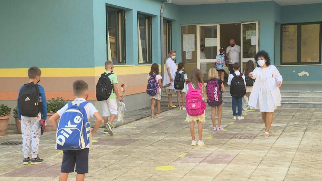 SHKOLLA NIS NORMALISHT koronavirusi pandemia rregullat ne shkolla  1100x620