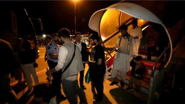 Shkon në 644 numri i afganëve në Shqipëri, sot mbërritën edhe 37 të tjerë