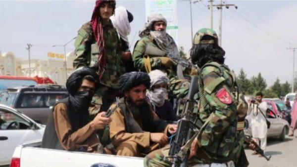 Evakuime shtesë nga Afganistani, largohen 4 amerikanë me konsensusin e talebanëve