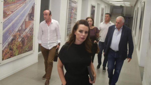 """""""Po mohojmë historinë e PD-së"""", deputetët kundërshtojnë vendimin për përjashtimin e Berishës"""