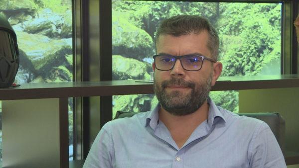 Emërimet politike në administratë, Hasimja: Të rinjtë e kanë ëndërr, partitë shfrytëzojnë mendësinë