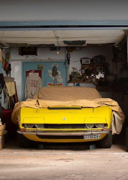 E la 47 vite në garazh, pronari pritet ta shesë makinën për miliona euro