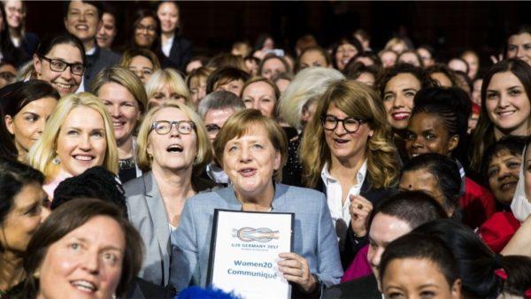 Angela Merkel, gruaja që frymëzon gratë