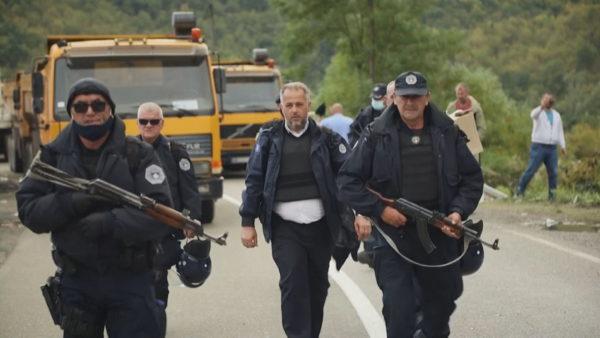 Jarinja dhe Bërnjaku të bllokuara, serbët vendosin zhavorr, disa të arrestuar