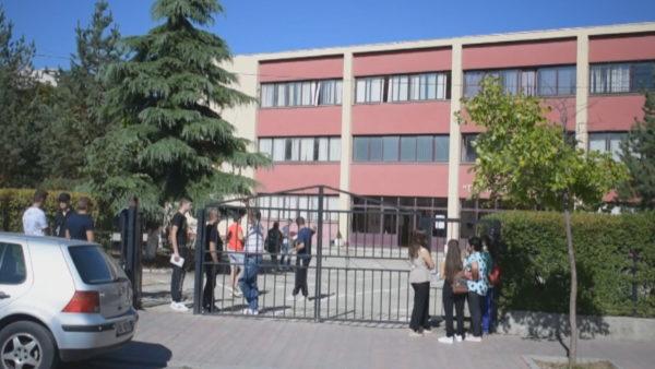 Korçë-Elbasan, vaksinohen mbi 70% e stafit pedagogjik