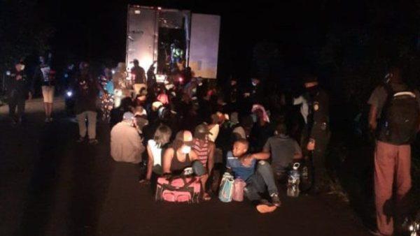 121010552 migrants 1 600x338