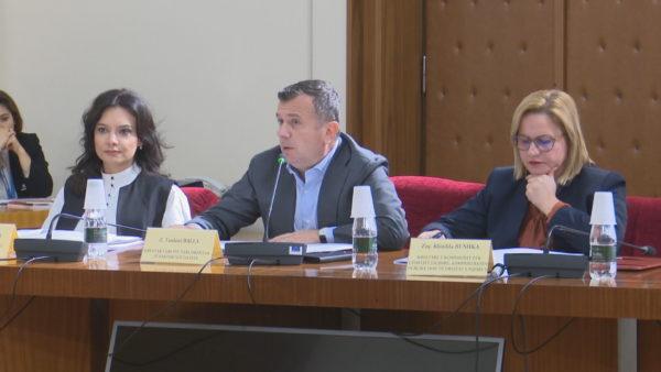 Debati për komisionin hetimor, juristët: Kuvendi është i detyruar t'i miratojë