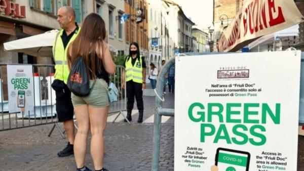 Hyn në fuqi certifikata e detyrueshme shëndetësore, Italia përgatitet për trazira