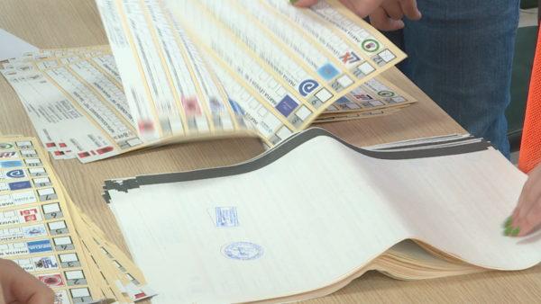 """Verifikimi i zgjedhjeve, PD """"harron"""" masakrën zgjedhore, kutitë i hap vetë KQZ"""