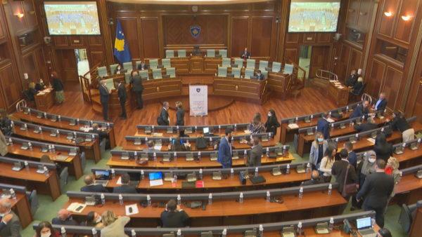 Marrëveshja për targat, opozita: Qeveria Kurti legjitimoi autoritetin serb në Kosovë
