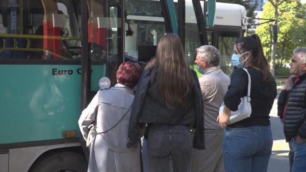 Transport urban i përgjysmuar, shoqata: Reduktim deri në 20% nëse nuk përmbushen kërkesat