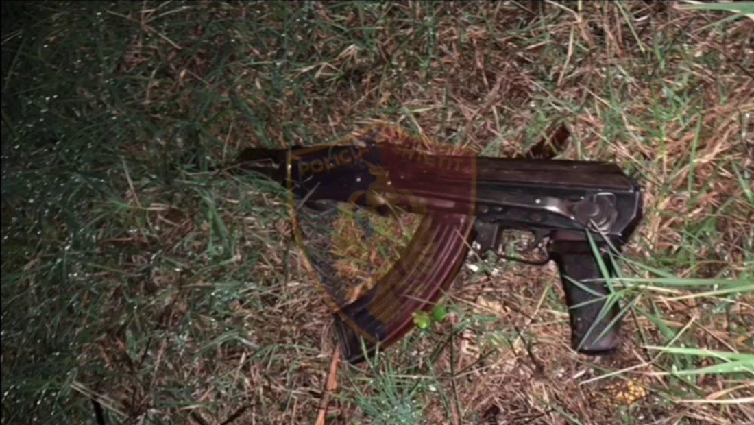 Tre persona pjese e nje grupi kriminal ne zonen e Sukthit jane arrestuar nga policia mbremjen e dj 1100x620