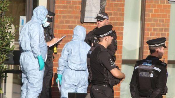 Vrasja e deputetit në Angli, policia po e trajton si një sulm terrorist