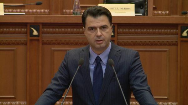 Basha, akuza të forta ndaj qeverisë: Ka gënjyer për numrin e viktimave nga Covid-19, janë 16 mijë të vdekur më shumë