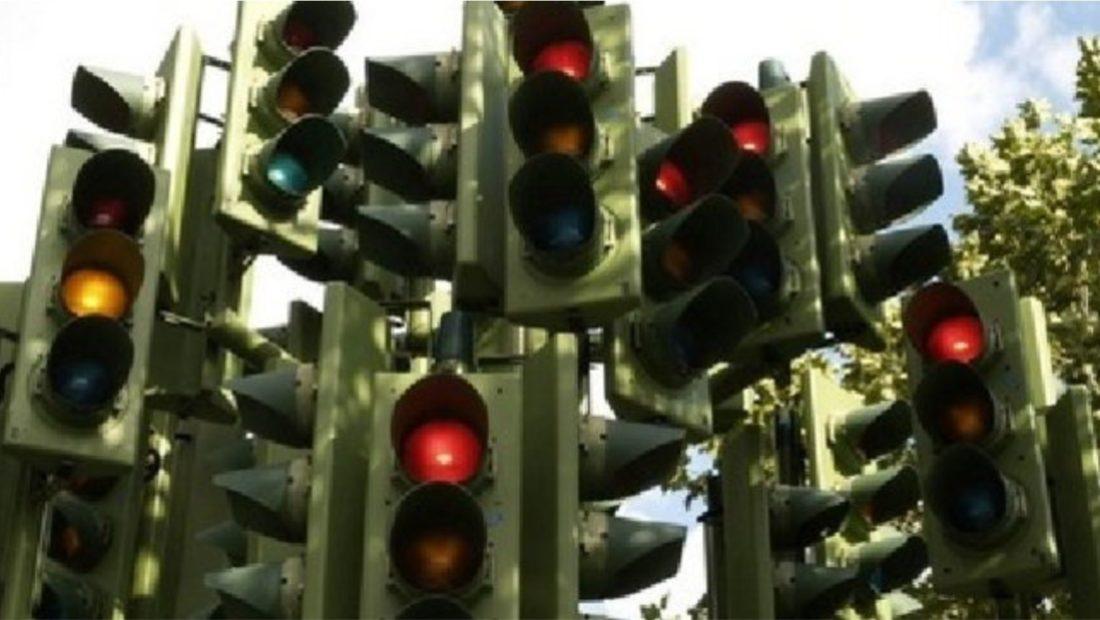 semafore kryqezimie qyteti i pare italian rrethrrotullim 1100x620