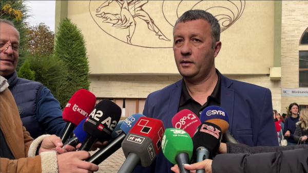 """""""Pse nuk merreni me Festën e Birrës, apo njerëzit në stadiume?"""". Zv.rektori i Universitetit të Korçës: Do të lejohen edhe të pavaksinuarit"""