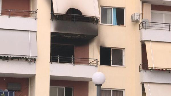 Djali i vë flakën shtëpisë, tentuan të zbresin nga ballkoni një kat më poshtë, humb jetën 62-vjeçarja
